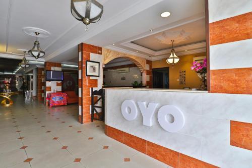 The lobby or reception area at OYO 212 Zahrat Al Jal