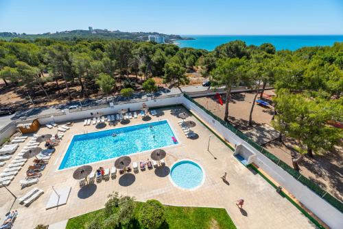 A view of the pool at Salou Pacific Rentalmar or nearby