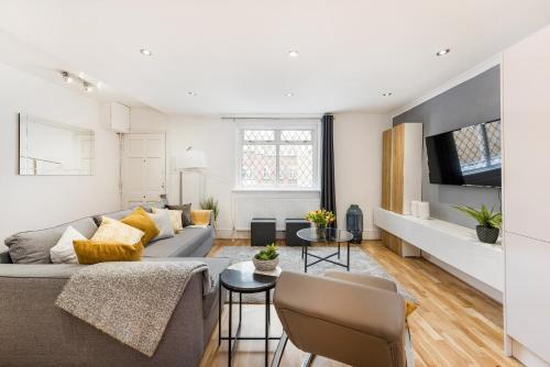 Marylebone Mews Apartment By Sojourn