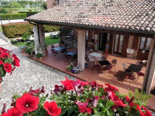 A restaurant or other place to eat at Residenza Corte Casara