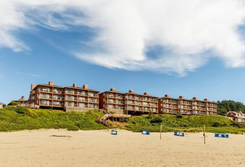 Hallmark Resort, Cannon Beach, OR - Booking.com on