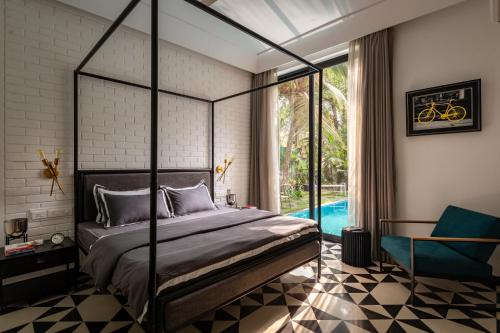 A bed or beds in a room at Saxofone Villa in Anjuna !
