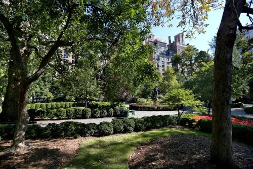 A garden outside #1Midtown Manhattan Loft Apartment