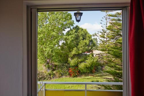 Vista sul giardino di Pettas Apartments o di uno nelle vicinanze