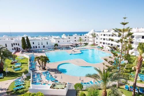 Vista de la piscina de Best Club Vacaciones Pueblo Indalo o alrededores