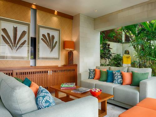 Zona d'estar a Villa Shinta Dewi Seminyak - an elite haven