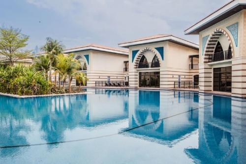 The swimming pool at or near Zabeel Saray Villas Palm Jumeirah