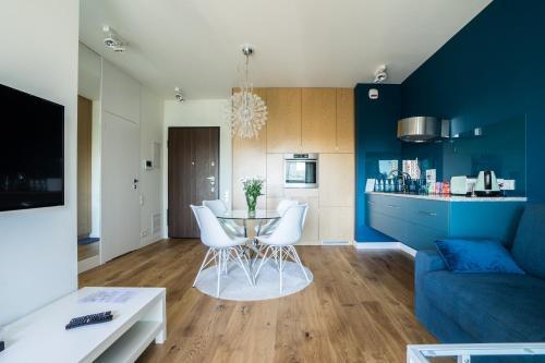 Küche/Küchenzeile in der Unterkunft VIP Warsaw Residence Mennica Apartment