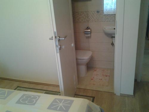 A bathroom at Apartment Mile