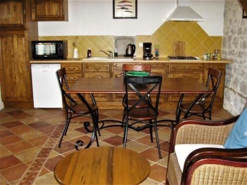 Kuchnia lub aneks kuchenny w obiekcie House La bergerie 1