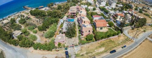 Een luchtfoto van Kri-Kri Village Holiday Apartments