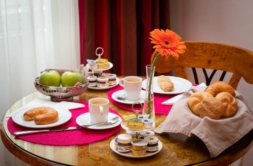 Appartement-Hotel an der Riemergasse tesisinde konuklar için mevcut kahvaltı seçenekleri