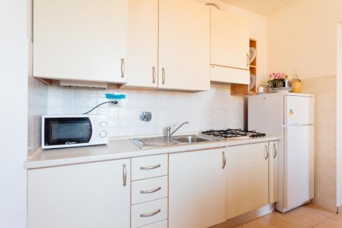 A kitchen or kitchenette at Nonno Alberice