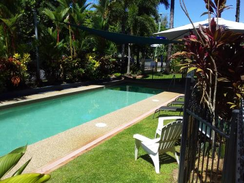 The swimming pool at or near The York Beachfront Holiday Apartments