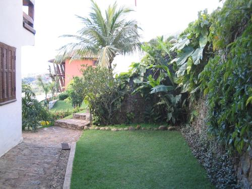 A garden outside Casa Yacht Club