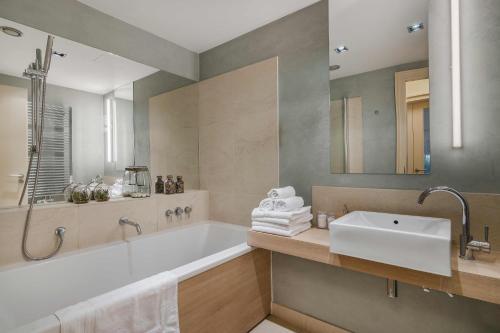 Ванная комната в Prague deluxe apartment