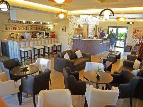 Ο χώρος του lounge ή του μπαρ στο Eleana Boutique Hotel