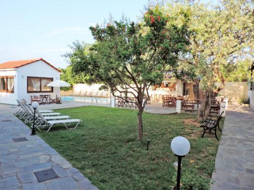 Een tuin van Villa Dafni Studios