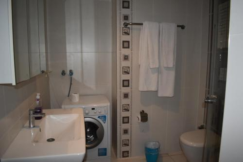 A bathroom at Bypegasus Smart Flats