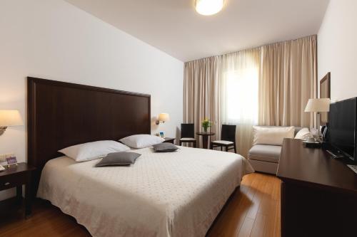 Hotel Croatia, Baška Voda – Updated 2019 Prices
