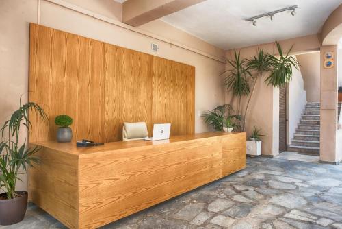 The lobby or reception area at Ipsos Holidays