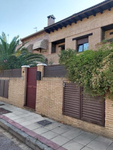Casa Alhambra al lado de Warner-Madrid, Pinto – Updated 2019 ...