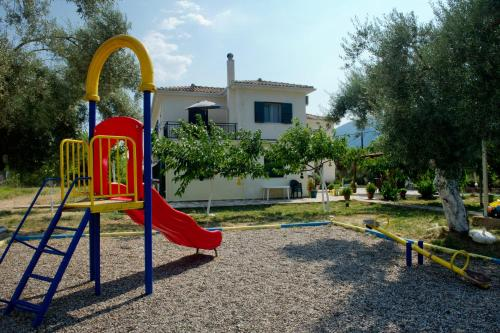 Children's play area at Riverside Αpartments