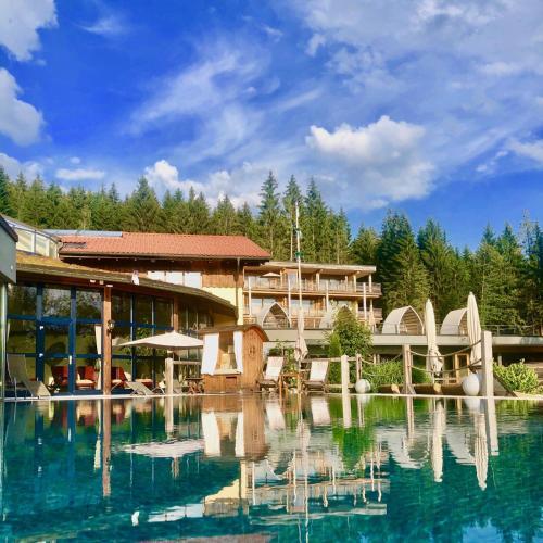 The swimming pool at or near Wellnesshotel Riedlberg