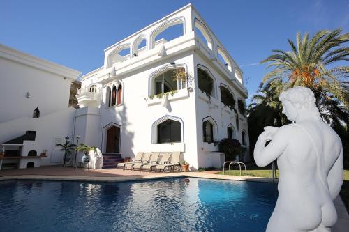Villa Blanca Puerto Banus