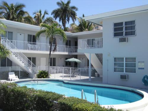 Summerland Suites