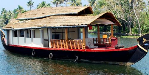 Skylark House Boats