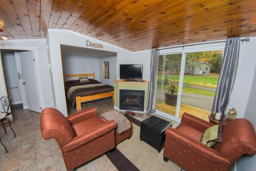 Safe Haven Cottage Resort