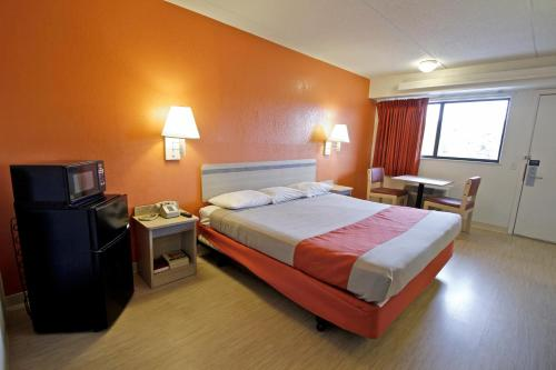 Motel 6 Charlotte Coliseum