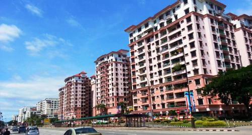 KK Marina Court Resort Vacation Condos & Holiday Service Suites