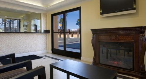 Surprising Orange Show Inn Usa San Bernardino Booking Com Interior Design Ideas Pimpapslepicentreinfo