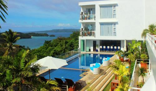 Tanawin Resort & Luxury Apartments