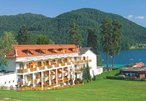 賴克曼特拉森酒店