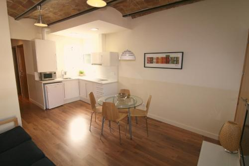 Barcelona apartments for rent apartment for Decoracion apartaestudios