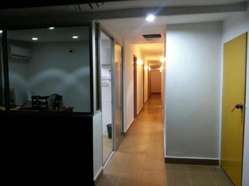 8 Doors Inn