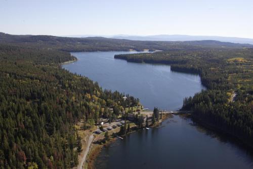 Lac Le Jeune Resort & Nature Centre