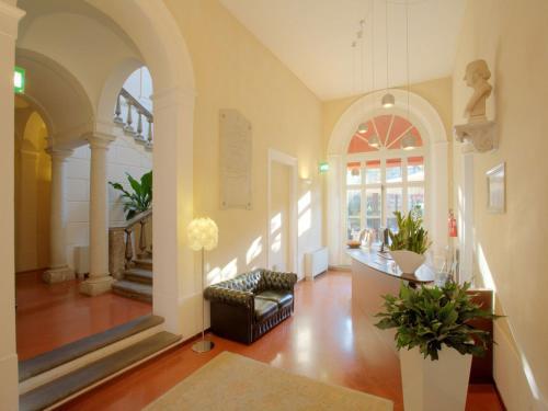 加萊緹阿比西宮酒店