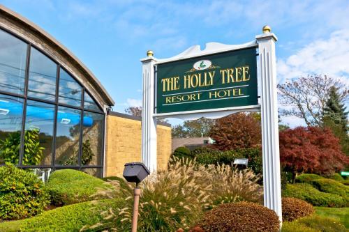 Holly Tree Condominiums, a VRI resort