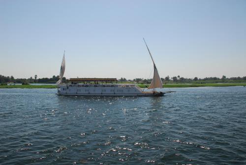 Dahabiya Amoura - Esna-Aswan