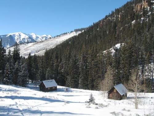 Crested butte resorts retreats in crested for Cabins near crested butte co