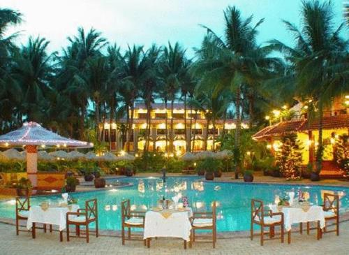 Vinh Suong Seaside Hotel and Resort
