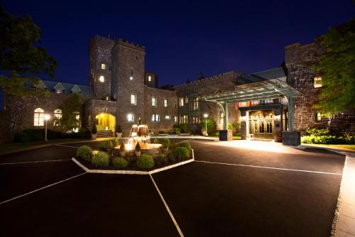 Castle Hotel & Spa (USA Tarrytown) - Booking.com