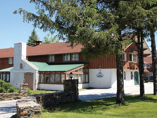 Liftline Lodge