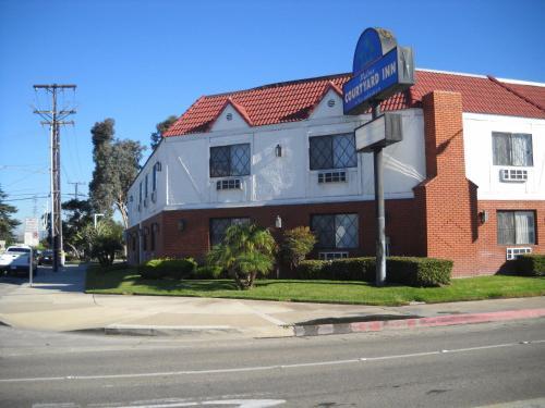 Palms Courtyard Inn