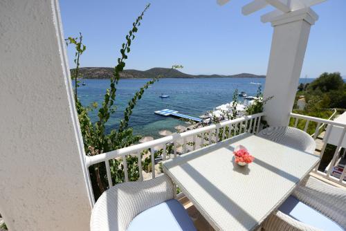 Doria Beach House