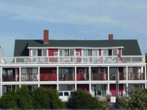 Windjammer by the Sea Motel